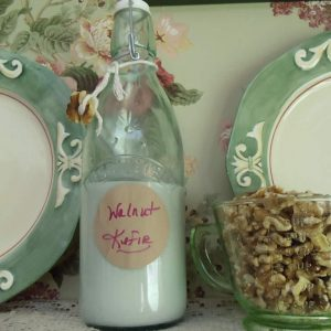 Walnut kefir