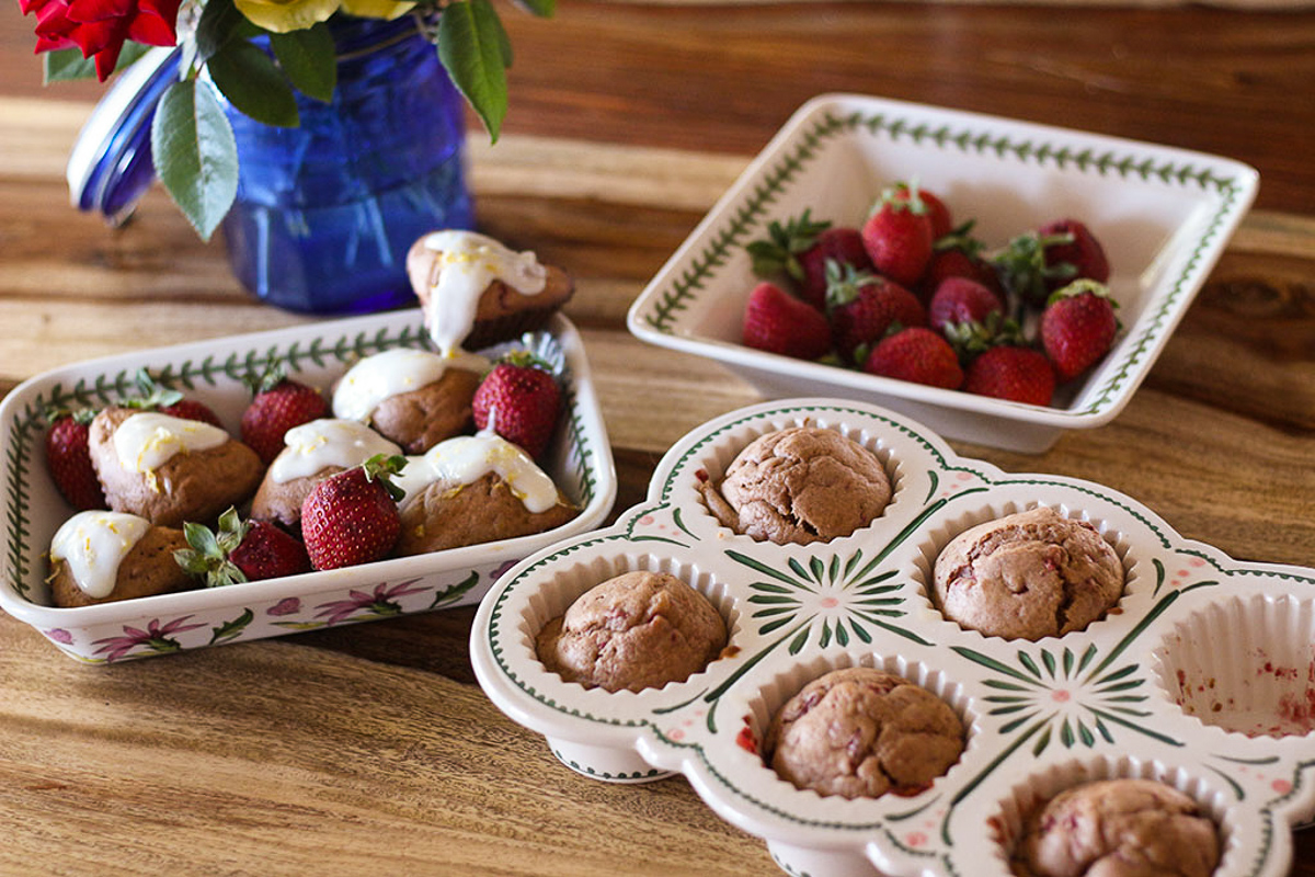 Sprouted Strawberry Scones with Lemon Kefir Topping -876-2