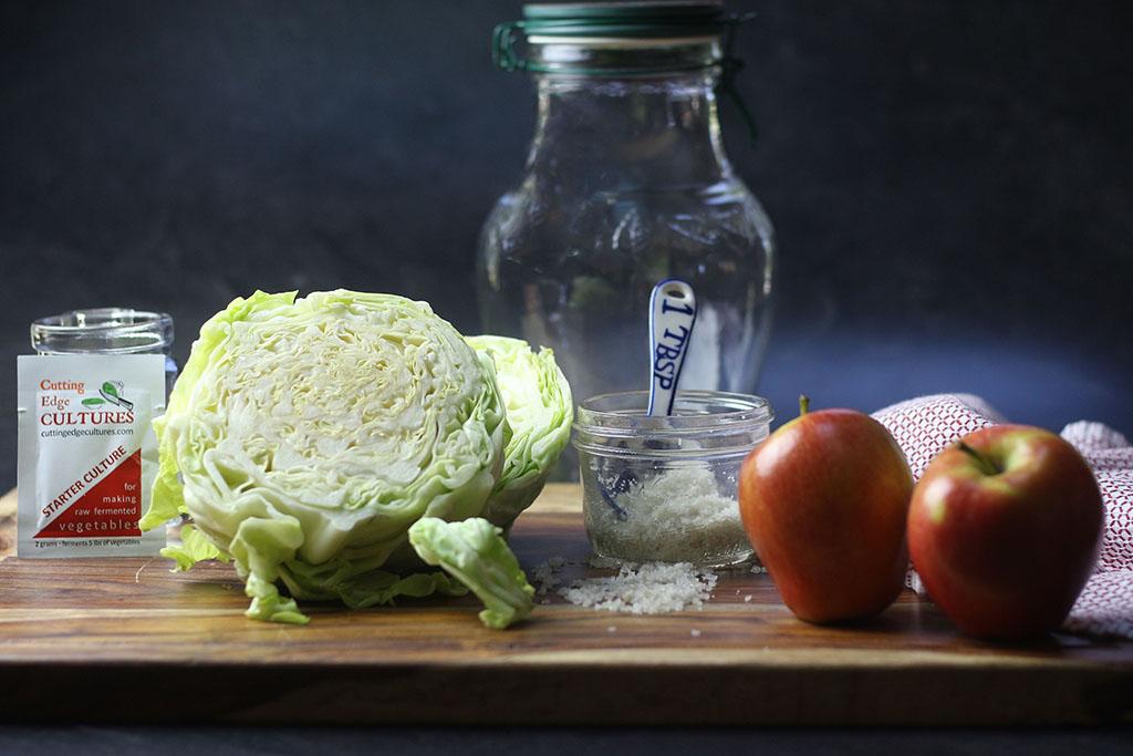 Making cultured vegetables (1)