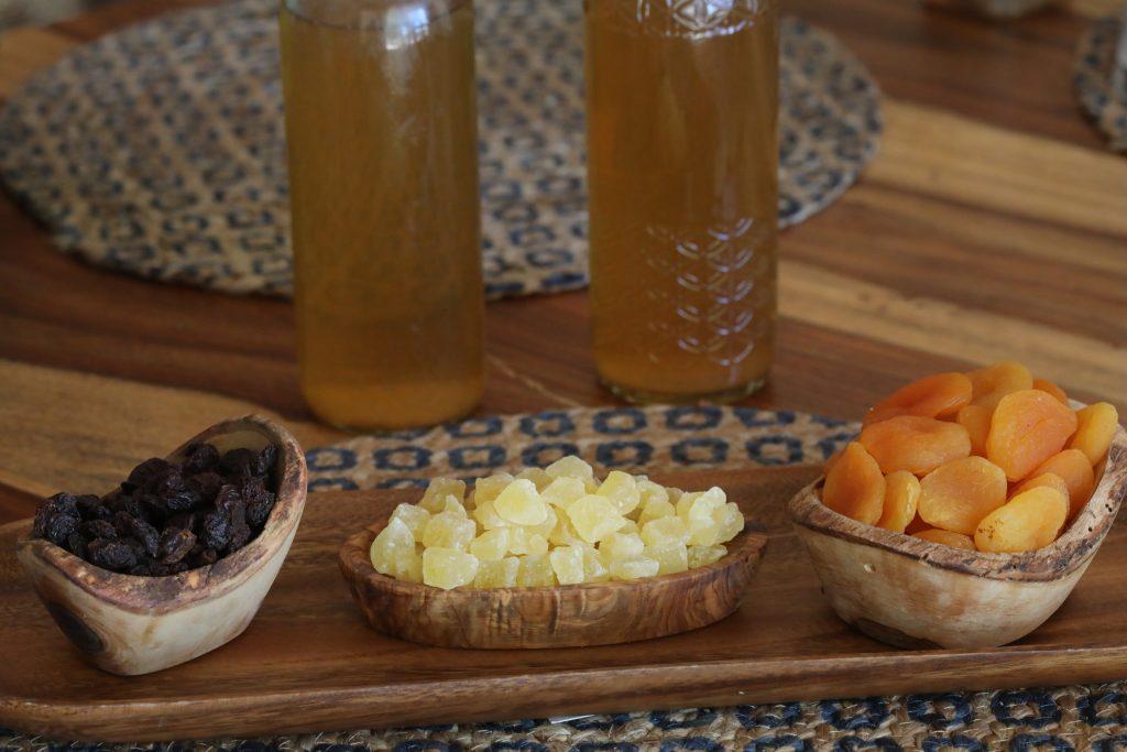 Dried fruit water kefir